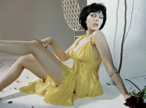 组图:斯嘉丽-约翰逊写真雪白酥胸丰腴性感