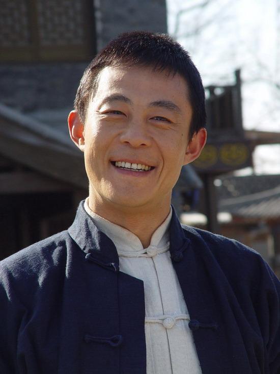 侯勇在《大染坊》中饰陈寿亭