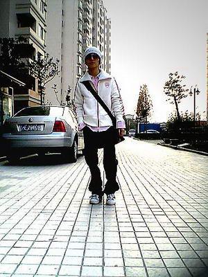 资料图片:郭敬明生活写真照(2)