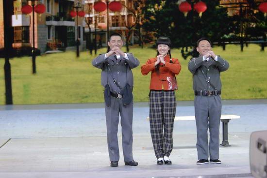 图文:09年央视春节晚会-《吉祥三保》演员拜年