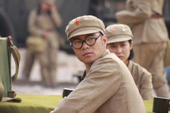 资料:《八千湘女上天山》人物--王尹饰康靖