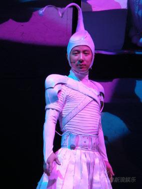 王茂蕾携《超级宝宝》前日亮相北京民族文化宫