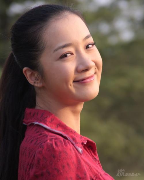 《今生欠你一个拥抱》李依晓拍戏虽苦笑容依然