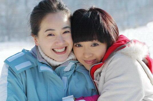 《大约在冬季》开播姜鸿左小青姐妹情深(附图)