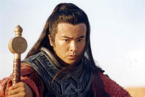 安抚影迷支持聂远; 演员于波撰文支持王家卫 认为武侠是比拼人心;; 于