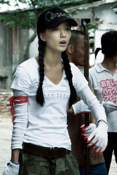 王珞丹拍《震撼世界的七日》感动落泪