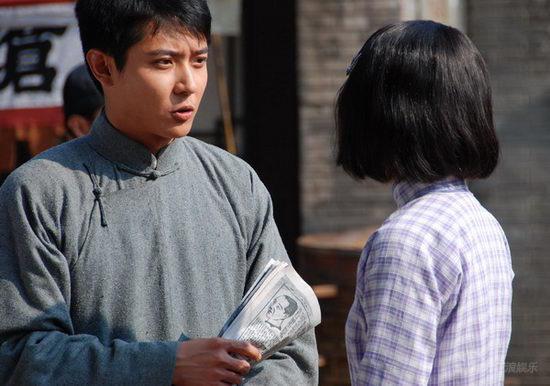 张丹峰《杏花魂》里深爱童蕾首次出演革命青年