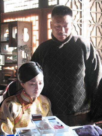 """《凤穿牡丹》热播刘交心""""杨虎城""""变身大家长"""
