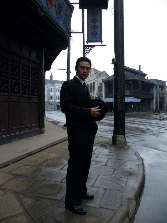 白凡扮演的冯如泰策划了绑架图片