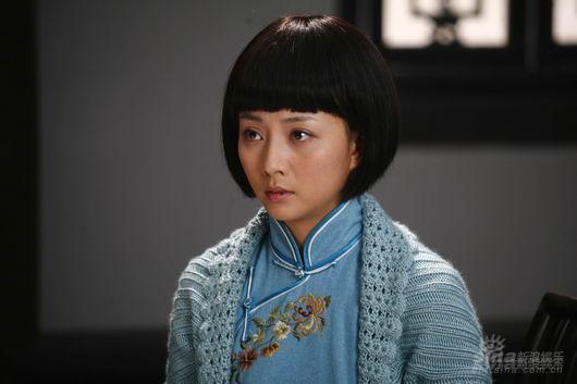 殷桃《东方红》演双胞胎身兼两角演技大挑战