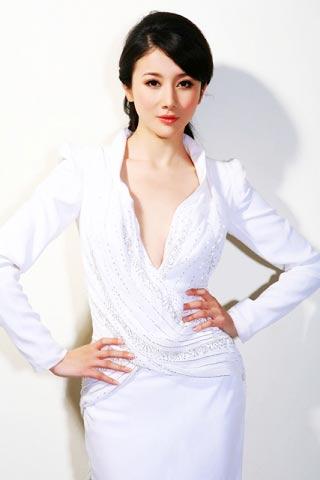 孙菲菲《玫瑰江湖》热播成情人节最想约会女星