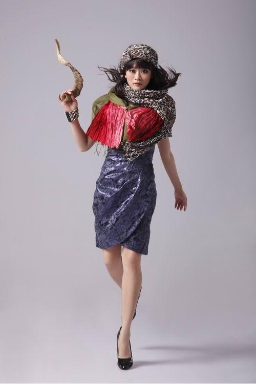 《八千湘女》造型迥异拍时尚大片笑料不断(图)