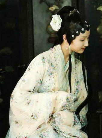 新版《红楼梦》即将播出殷叶子演绎薛宝琴