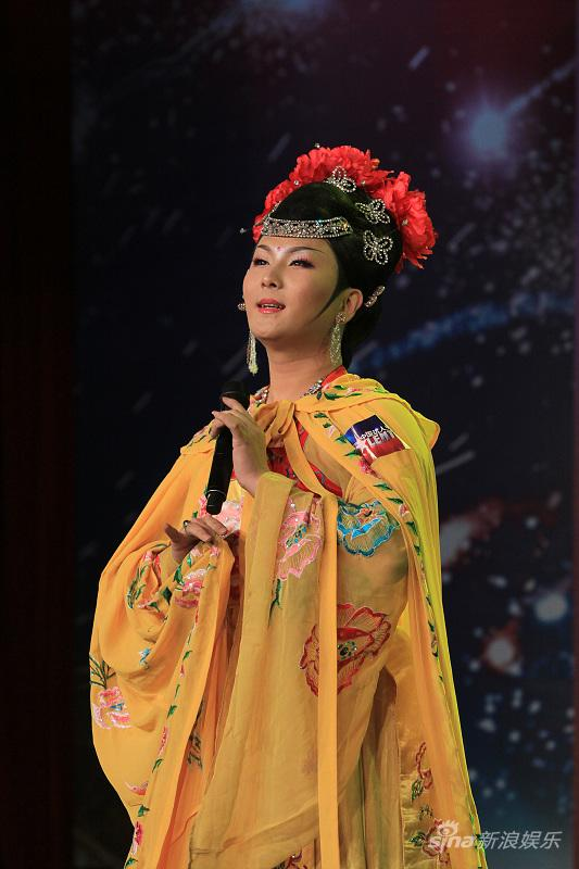 《中国达人秀》展示传统才艺谁是舞台头号男旦