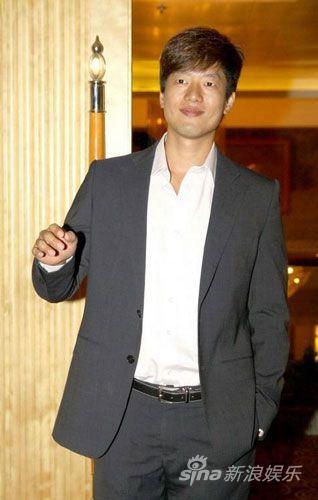 凌潇肃2010年8月出席《回家的诱惑》记者会