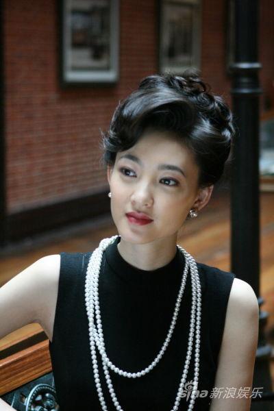 王丽坤饰演上海滩的性感尤物
