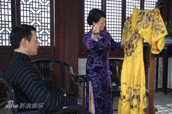 王姬缝龙袍