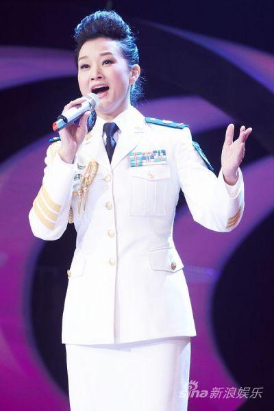 宋祖英高歌一曲《英雄》