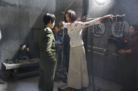 吕佳容《反击》塑美女地下党