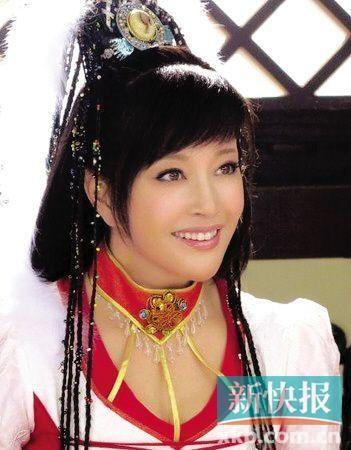 刘晓庆造型