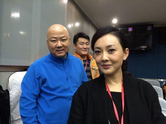 导演李伯男携手郭冬牛莉打造春晚小品《人到礼到》