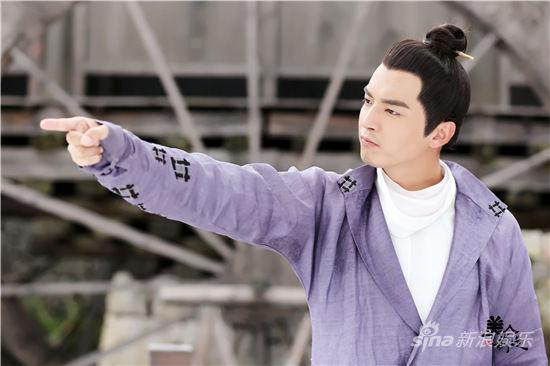 《美人制造》正在湖南卫视[微博]青春星期天热播,该剧由金世佳[微博]