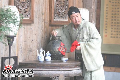 组图:赵亮突破自我转行《大祠堂》中笔走龙蛇