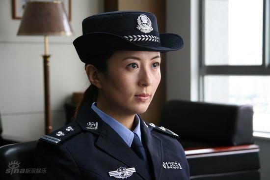 杨童舒穿制服领衔《缉毒先锋》(组图)