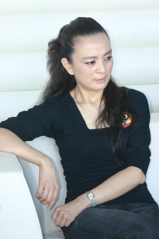图文:《戈壁母亲》新浪聊天--制片人东方闻樱