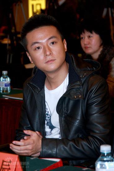 图文:《中国往事》发布会--朱雨辰听得仔细