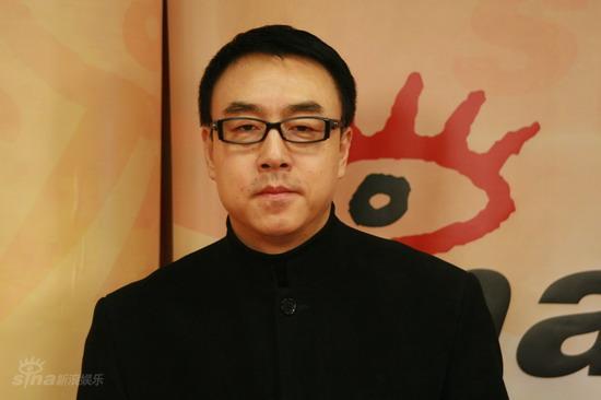 图文:春晚总导演郎昆做客新浪--郎昆不顾疲惫