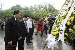 《江姐》重庆开机红岩纪念馆前缅怀先烈(组图)
