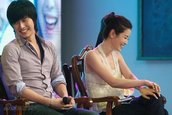 图文:七公主做客《天天向上》--朴海镇李泰兰很有默契