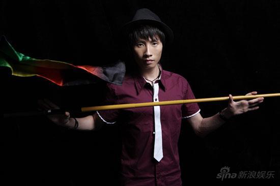 图文:《金牌魔术团》十二成员资料--朱岳鹏