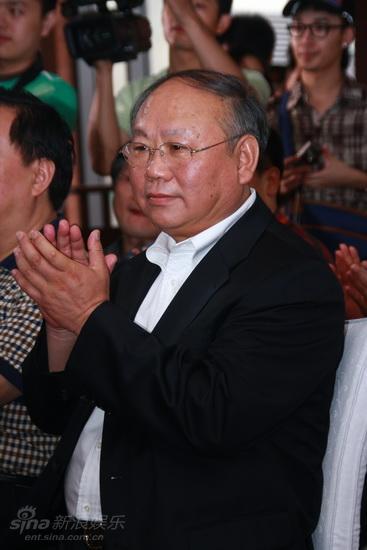 图文:导演委员会成立大会--中广协会长李丹