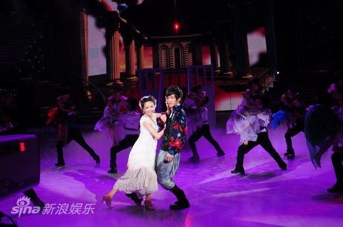 李炜与佟丽娅