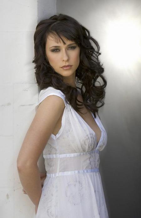 希拉里达芙客串《鬼语者》加速进入电视圈(图)