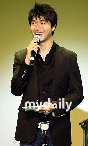 韩国著名主持人朴秀洪将担任韩国英语歌唱比赛
