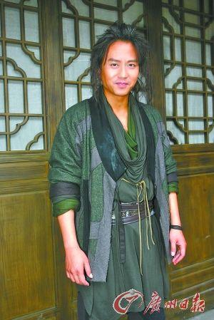 邓超宣布与孙俪领证年内上海办婚礼