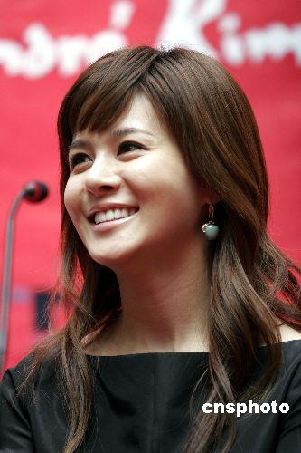 韩国当红歌手IVY前男友因恐吓勒索遭拘留起诉