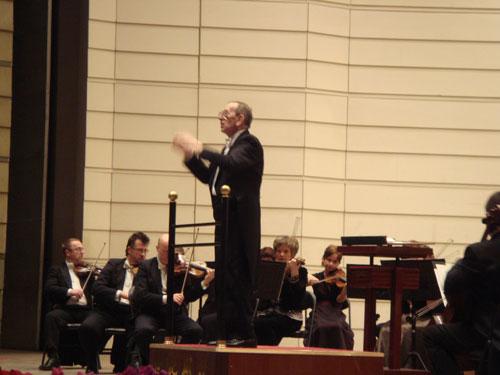 76岁著名指挥卡托维兹率波兰爱乐乐团亮相北京