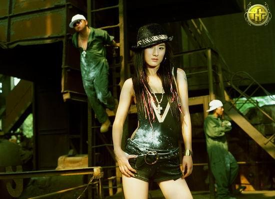 T.H.P首张大碟即将发行黄薇高贵淡雅出镜(图)