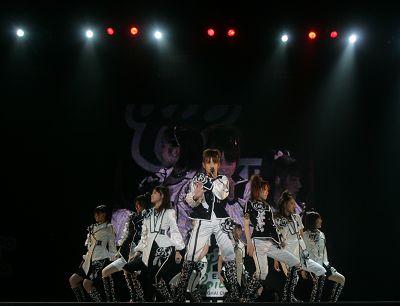 早安少女组上海开演唱会为世界博览会放歌(图)