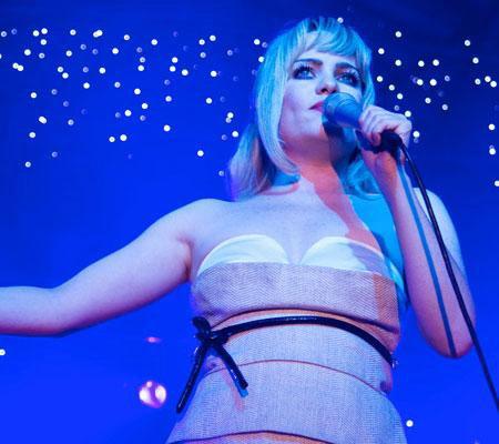 卫报:女性歌手横扫全英小天后Duffy喜获三奖