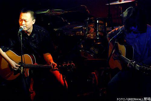 马赛克、树子乐队成都小酒馆为热波音乐节热身
