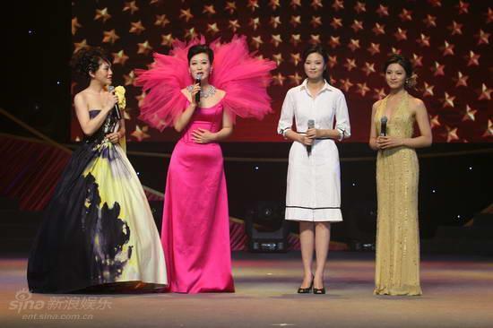 资料图片:第六届中国金唱片-主持人