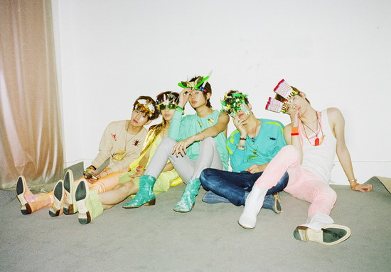 """SHINee携""""罗密欧""""闪耀回归迷你新碟将发行"""