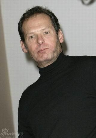 马克-莱斯特遗憾杰克逊辞世生前是其女儿教父