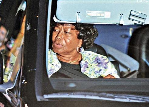 杰克逊母亲担心遗产安全法院下周举行听证会