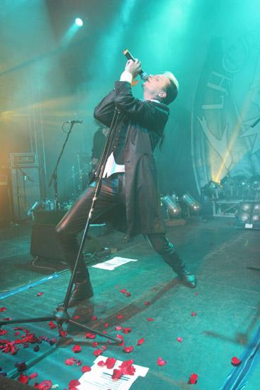 继乐队2006年首度来华创造场场爆满的票房后2009年8月lacrimosa再度